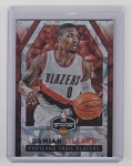 2016-17 Panini Player of the day Damian Lillard Cracked ice parallel